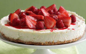 Lime-and-honey-cheesecake-with-strawberries1